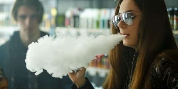 E-Cigarette Maker Apologizes for Teen Vaping 'Epidemic'